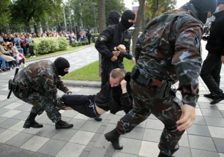 Прекратить насилие в Беларуси